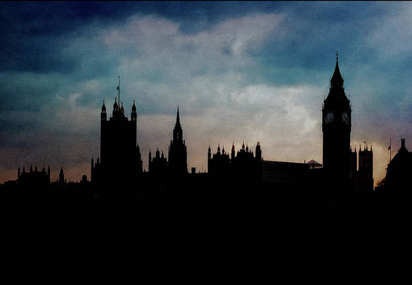 Houses Of Parliament Wall Art - Photograph - London Westminster Backlit Skyline by Alexandre Fp
