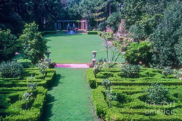 Photograph - Longue Vue Garden And Fountain by Bob Phillips