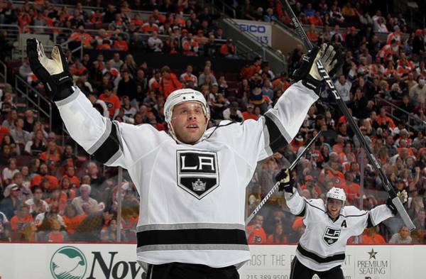National Hockey League Photograph - Los Angeles Kings V Philadelphia Flyers by Jim Mcisaac