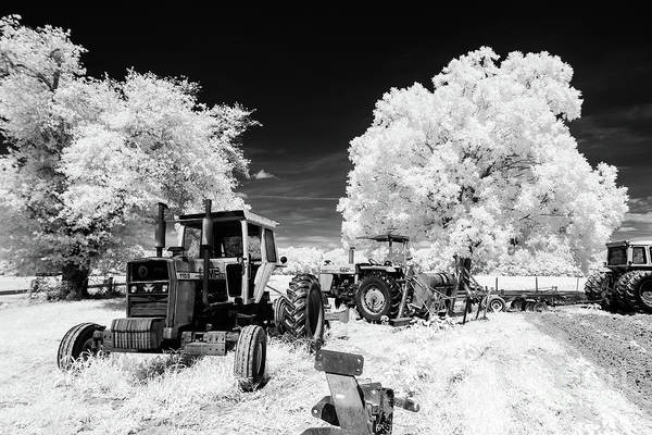 Photograph - Low Country Tractor by Charles Hite