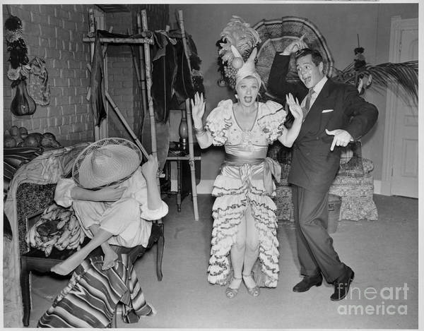 Wall Art - Photograph - Lucille Ball And Desi Arnaz In I Love by Cbs Photo Archive