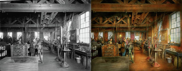 Photograph - Machinist - The Glazier Stove Company 1900 - Side By Side by Mike Savad