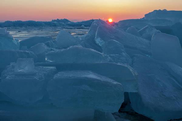 Photograph - Mackinaw City Ice Formations 21618013 by Rick Veldman