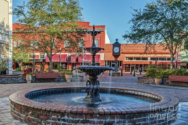 Photograph - Magnolia Squmagnolia Square Fountain by John Zawacki
