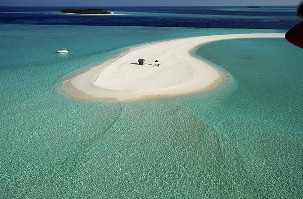 Luxury Hotel Photograph - Maldives Islands, Lhaviyani Atoll by Leslie West