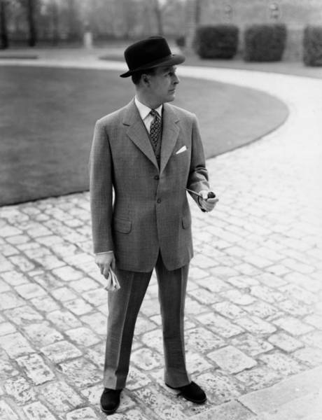 1958 Photograph - Man Wearing Trilby Hat And Suit B&w by Hulton Archive