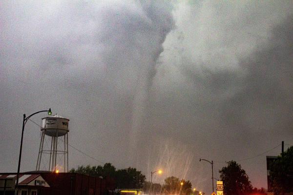 Photograph - Mangum Oklahoma Tornado 019 by Dale Kaminski