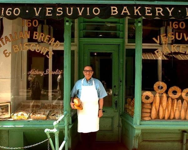 Merchandise Photograph - Manhattans Vesuvio Bakery by New York Daily News Archive