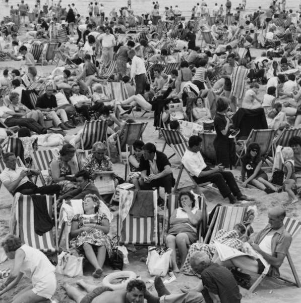 Reading Photograph - Margate Crowds by Evening Standard