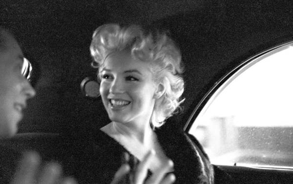 Black Car Photograph - Marilyn & Dick by Michael Ochs Archives
