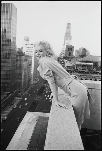 Film Industry Photograph - Marilyn On The Roof by Michael Ochs Archives
