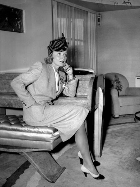 Arrival Photograph - Marlene Dietrich Arriving In New York by New York Daily News Archive