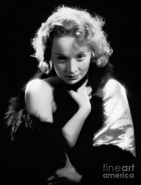 Leading Actress Wall Art - Photograph - Marlene Dietrich In Dishonored, 1931 by European School