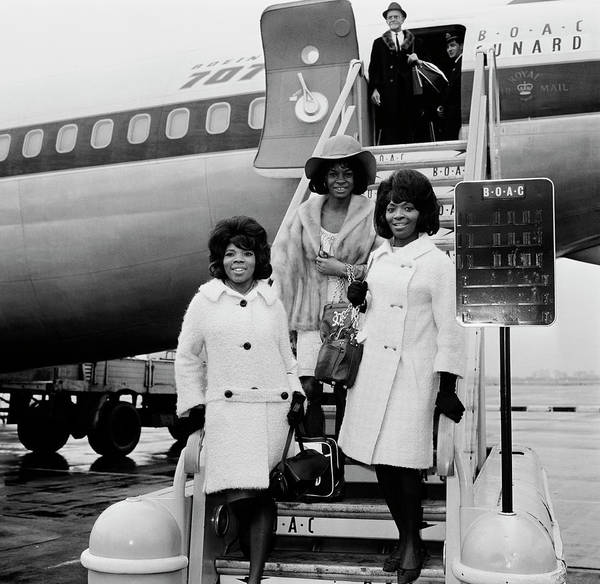 Soul Music Photograph - Martha And The Vandellas by Evening Standard