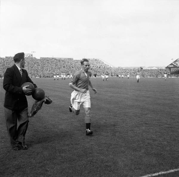 Photograph - Matthews On The Pitch by Bert Hardy