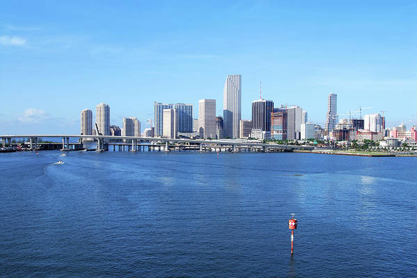 Biscayne Wall Art - Photograph - Miami Skyline by Chang