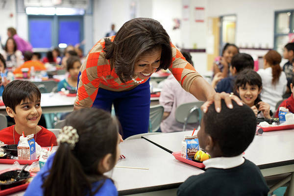 Wall Art - Photograph - Michelle Obama Has Lunch With Students by Science Source