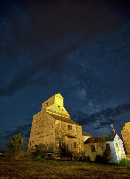 Grain Elevator Photograph - Milky Way Above An Old Grain Elevator by Robert Postma / Design Pics