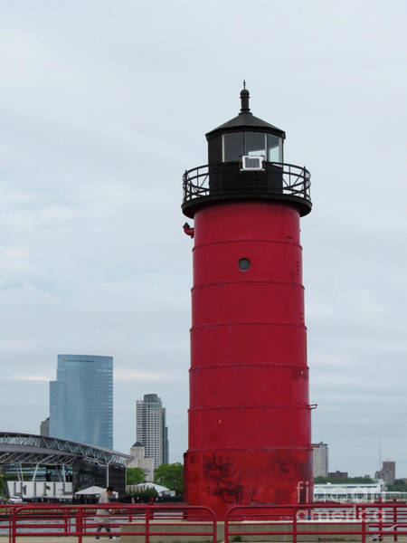 Photograph - Milwaukee Harbor Lighthouse by Roberta Byram
