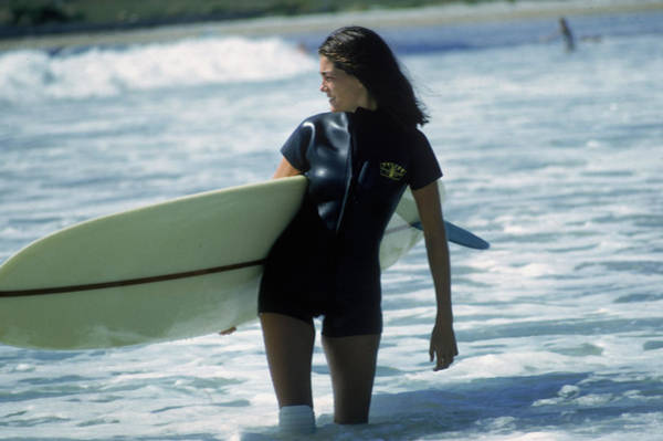 Surfing Photograph - Minnie Cushing by Slim Aarons