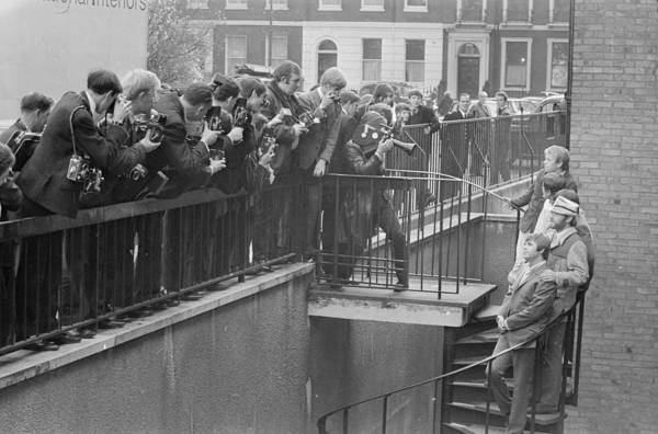 Photograph - Mobbed By The Press by Larry Ellis
