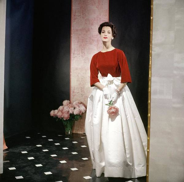 Single Flower Photograph - Model In A Traina-norell Ensemble by Horst P. Horst