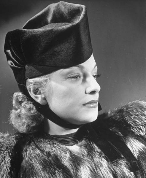Hats For Sale Photograph - Model Wearing Fur Coat & A Suzy Model Fe by Alfred Eisenstaedt