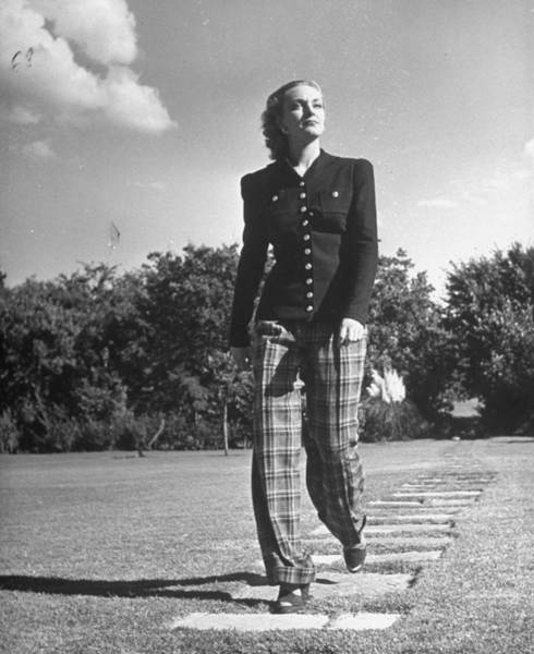 Suit Photograph - Model Wearing Pants Suit W. Molded Jacke by Alfred Eisenstaedt