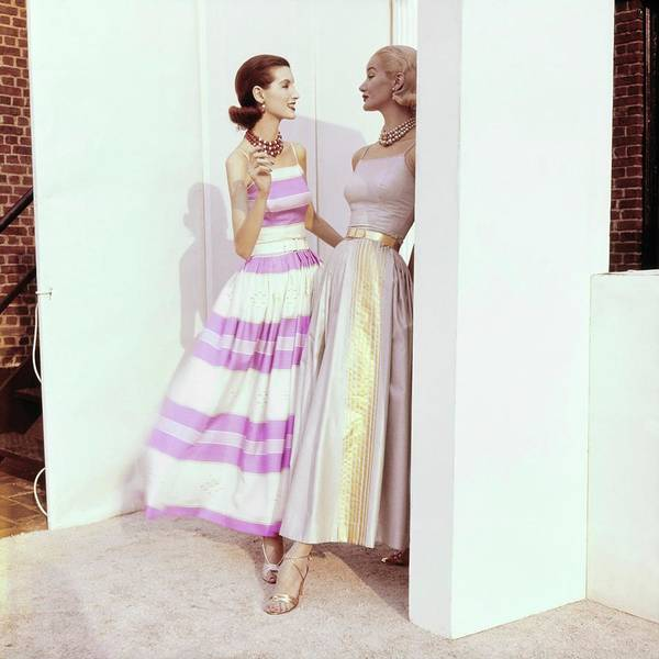 Wall Art - Photograph - Models In Greta Plattry Ensembles by Horst P. Horst
