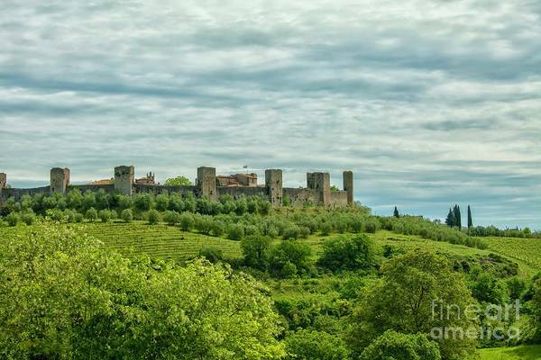 Bishop Hill Photograph - Monteriggioni In Tuscany by Patricia Hofmeester
