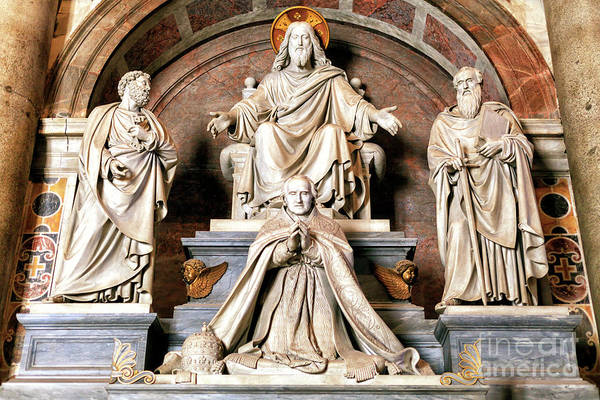 Photograph - Monument To Pius Viii At The Vatican by John Rizzuto