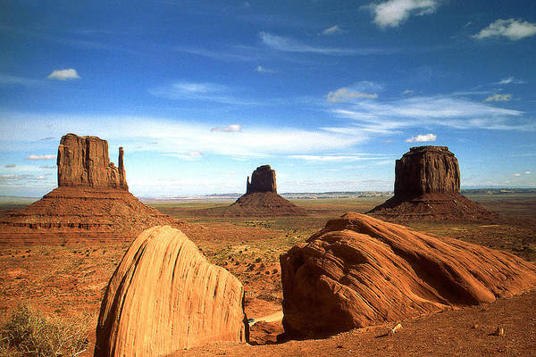 Photograph - Monument Valley Arizona - Mitten Buttes by Peter Potter