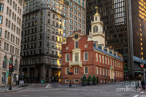 Photograph - Morning At The Old State House by Jesse MacDonald