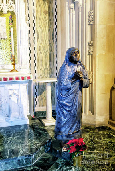 Photograph - Mother Teresa At St. Patrick's Cathedral In New York City by John Rizzuto