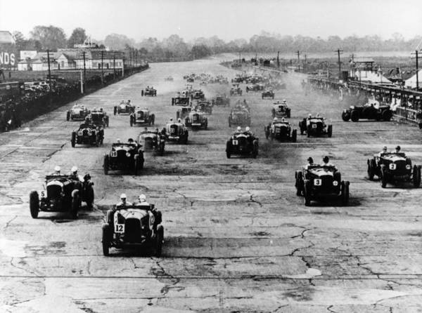 Motor Sport Photograph - Motor Race, Brooklands, Surrey, 1920s by Heritage Images