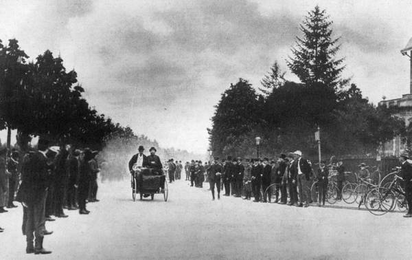 Versailles Wall Art - Photograph - Motor Race by Hulton Archive
