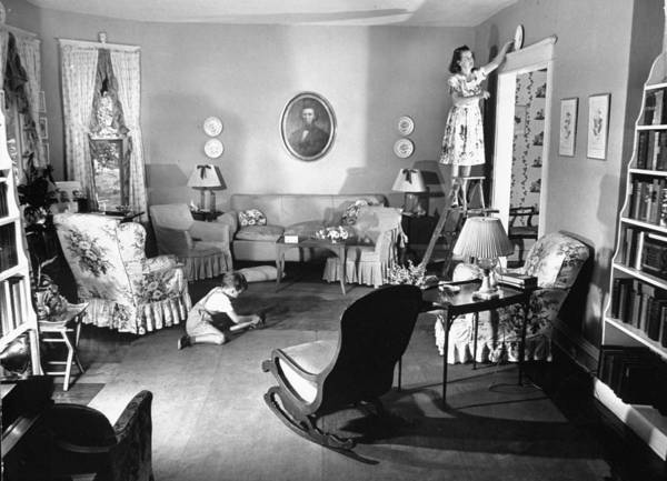 Home Interior Photograph - Mrs. Gilbert Amberg & Family by William C. Shrout