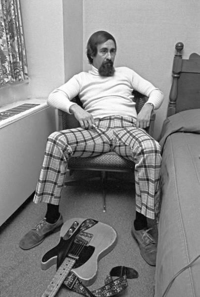 Guitarist Photograph - Musician Roy Buchanan by Waring Abbott