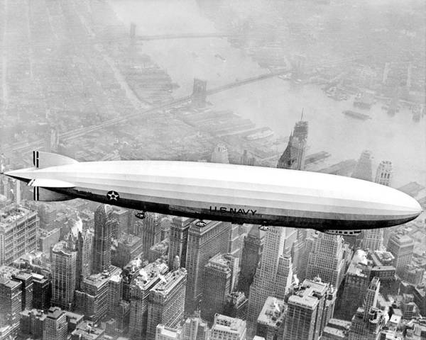 Usa Navy Photograph - Navy Dirigible Los Angeles Flying Over by New York Daily News Archive