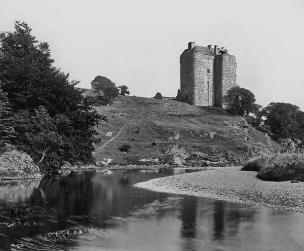 Poet Photograph - Neidpath Castle by Epics