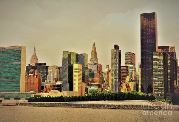 Roosevelt Island Wall Art - Photograph - New York East River by John Clark