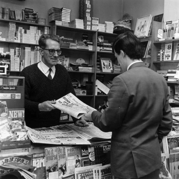 Newspaper Photograph - Newsagents by Evening Standard