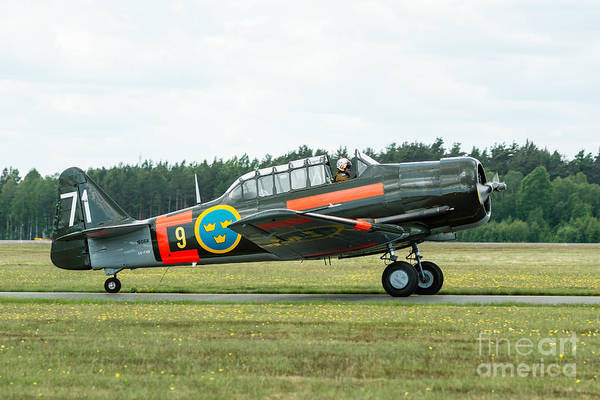 Harvard Propeller Photograph - North American T-6 Texan Taxi by Ingemar Magnusson