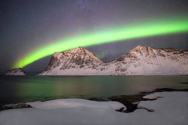 Wall Art - Photograph - Northern Lights Over The Mountains by Lindley Johnson