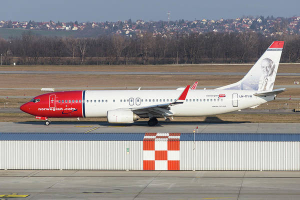 Wall Art - Photograph - Norwegian Boeing 737 by David Pyatt