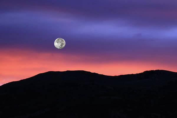 Wall Art - Photograph - November Beaver Moon At Sunrise by Donna Kennedy