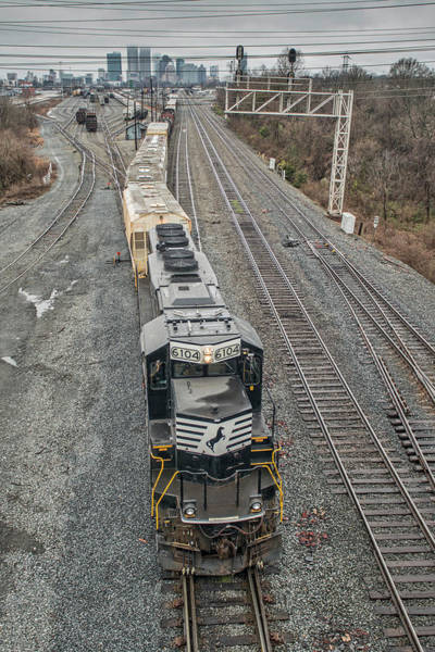 Norfolk Southern Railway Wall Art - Photograph - Ns 6104 Leads A Mixed Freight by Jim Pearson