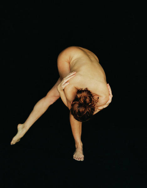 Bending Photograph - Nude Bending Forward by Lisa Marie Thompson