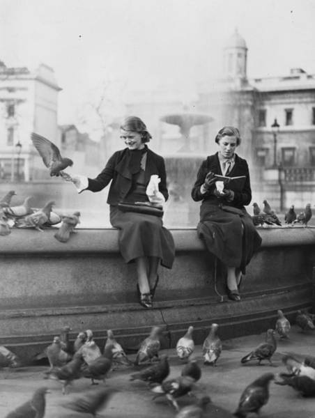 Reading Photograph - Nurses Lunch by Fox Photos