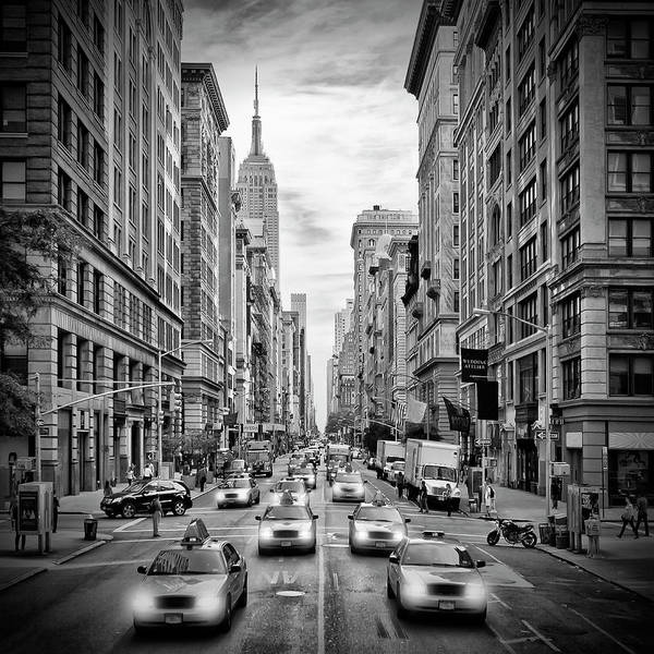 Wall Art - Photograph - Nyc 5th Avenue Monochrome by Melanie Viola